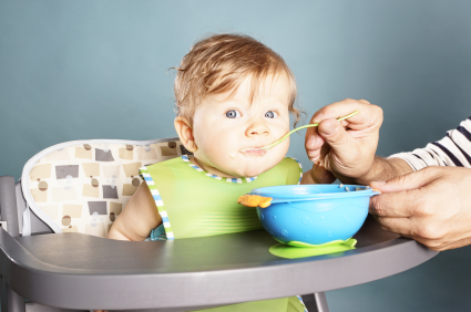 Feeding Solid Foods To A Baby With Reflux: 5 Tips