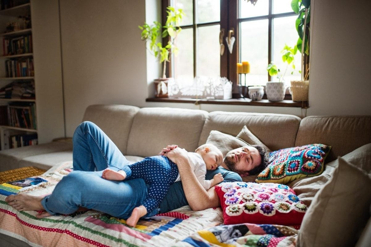 8 Tips for New Parents to Avoid Sleep Deprivation